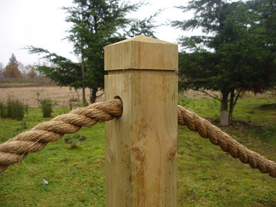 Rope Post